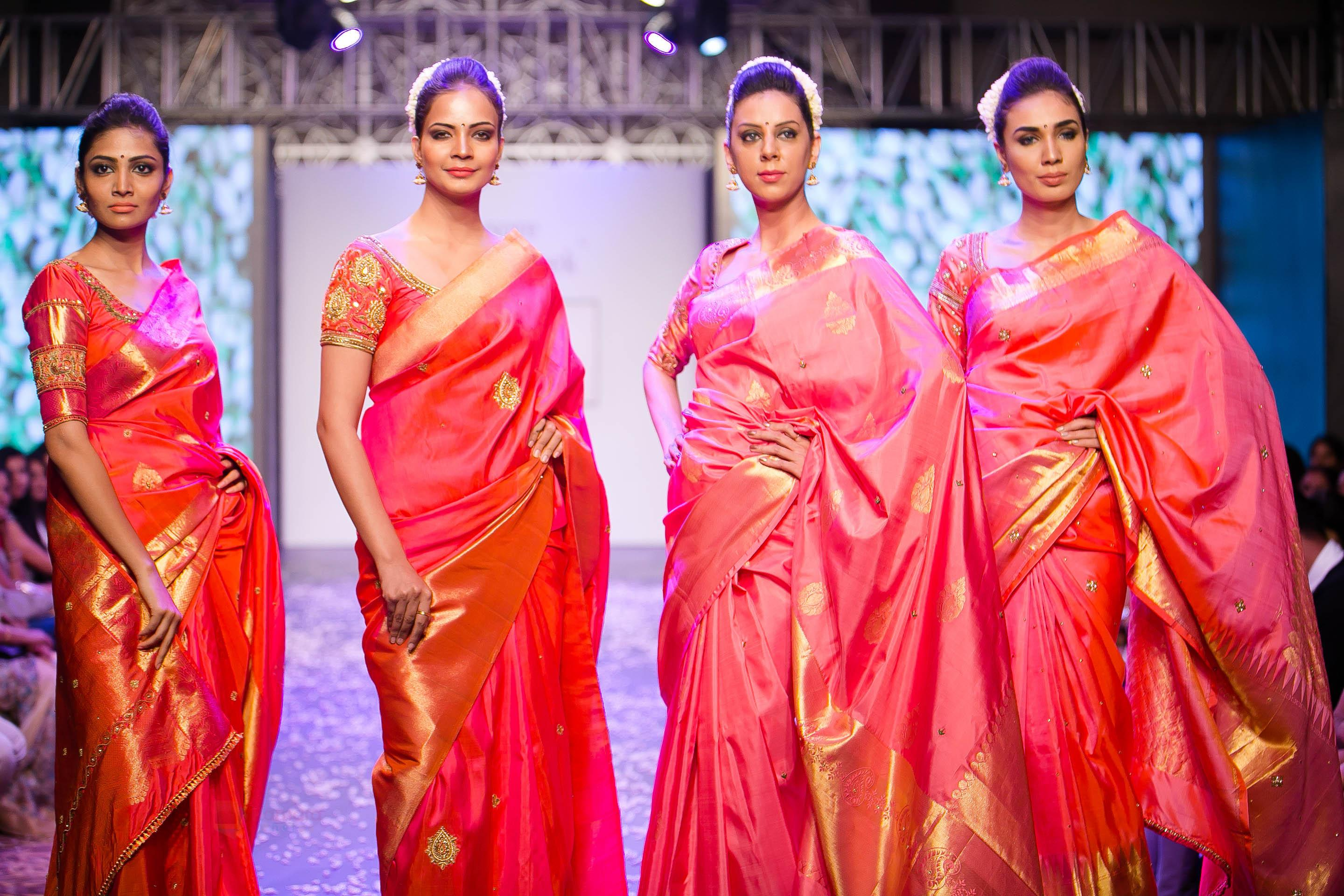 1f058ed40eded1 These 7 Blouse Designs Will Glam-up Your Red Saree Style • Keep Me ...