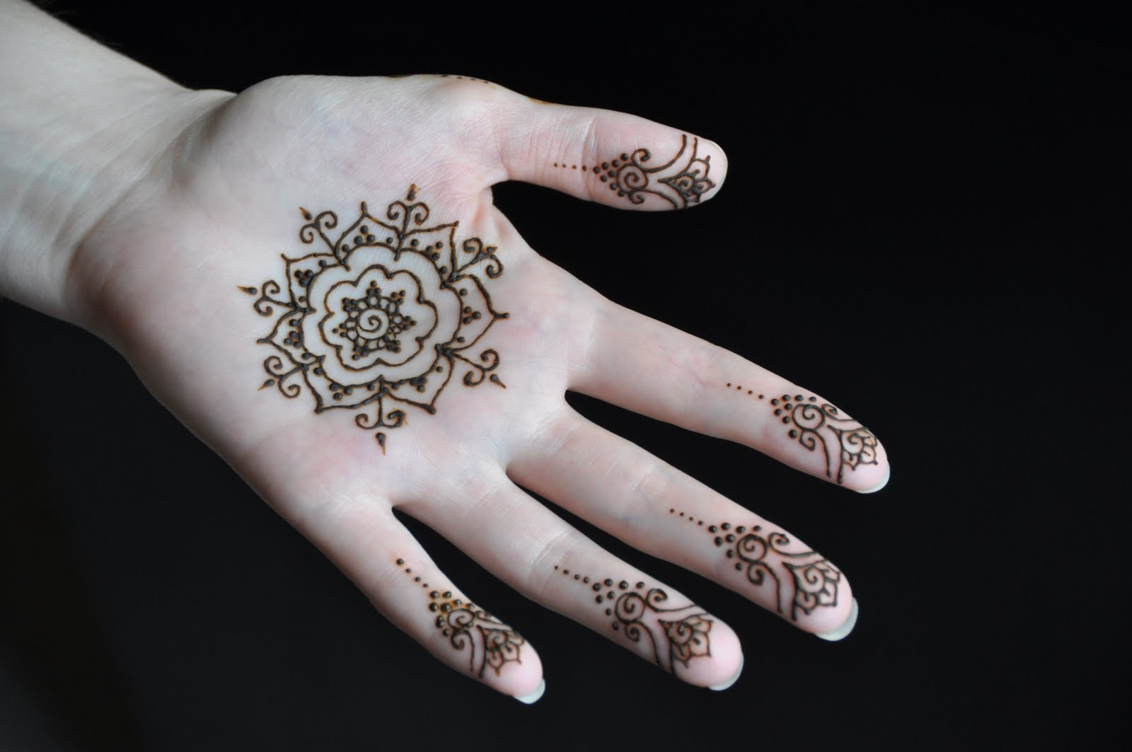 Designs Of Mehndi For Palm : Simple chic mehendi designs to try on palm u keep me stylish