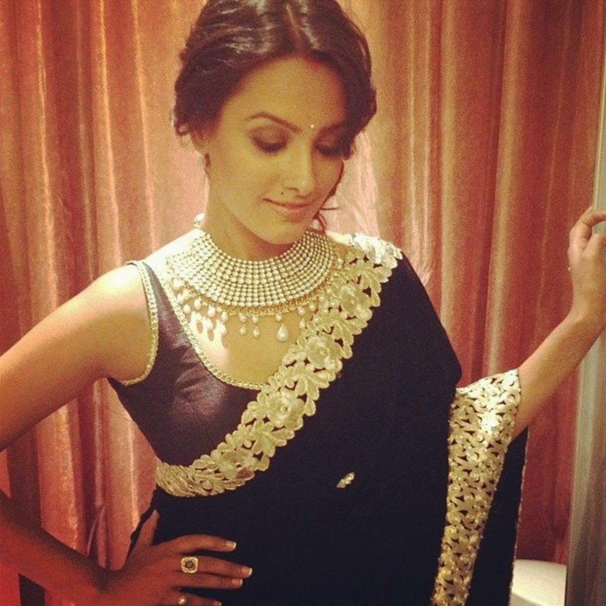 Stylish Fancy Blouse Designs For Sarees