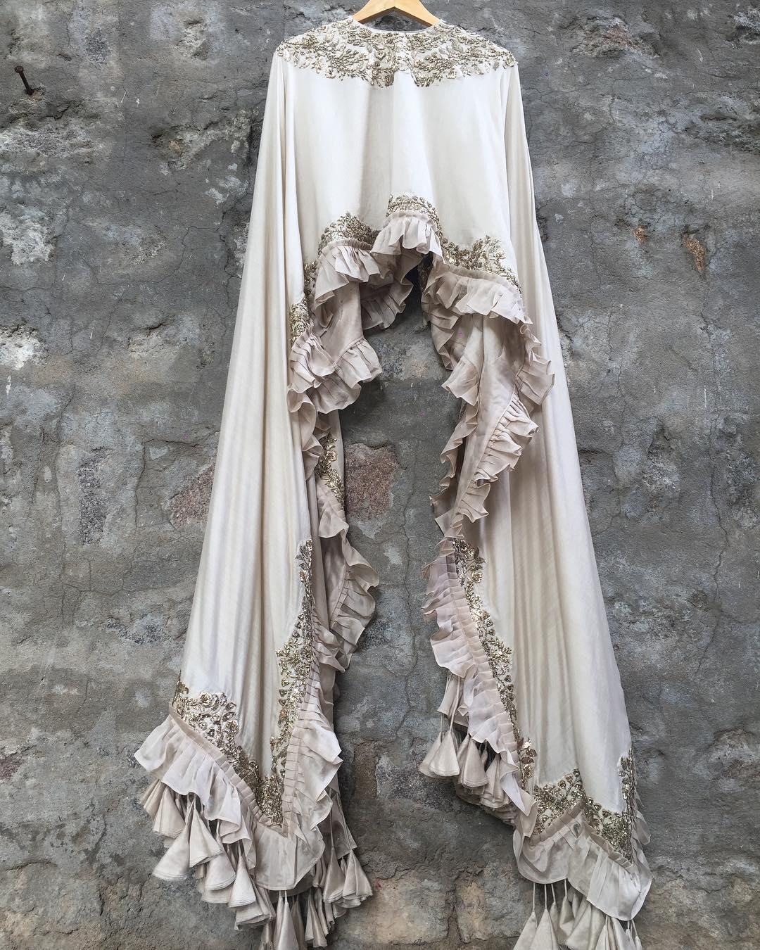 Bridal Lehenga Blouse Designs For Modern Bride