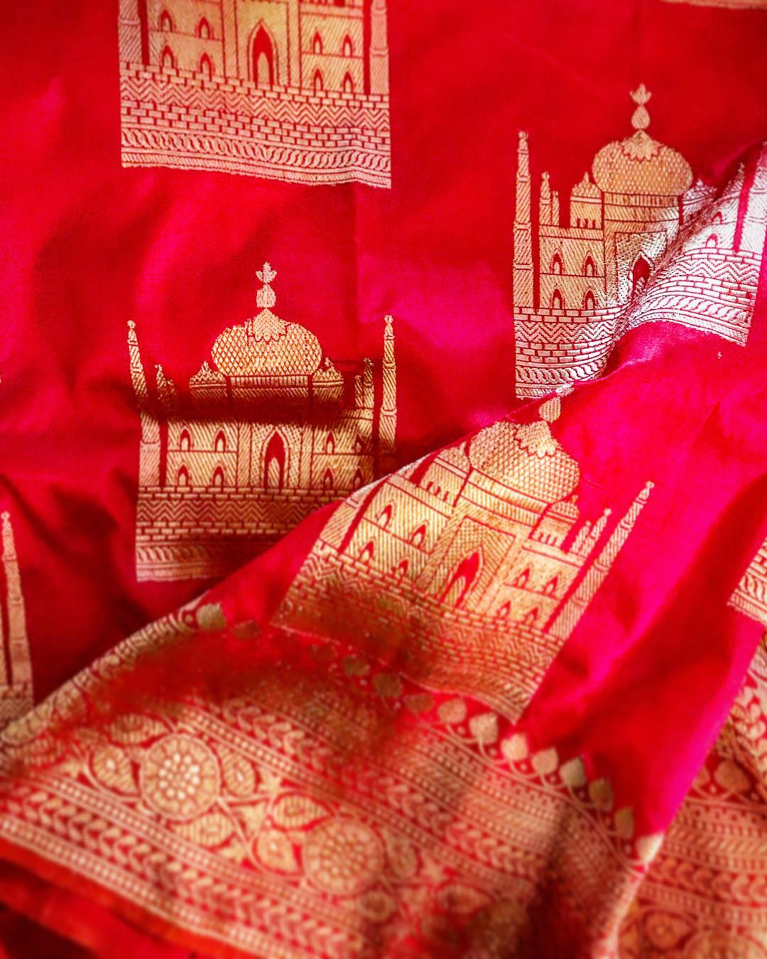 Taj Mahal Blouse Designs