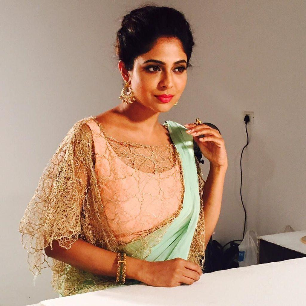 Saree Blouse Designs To Look Slim