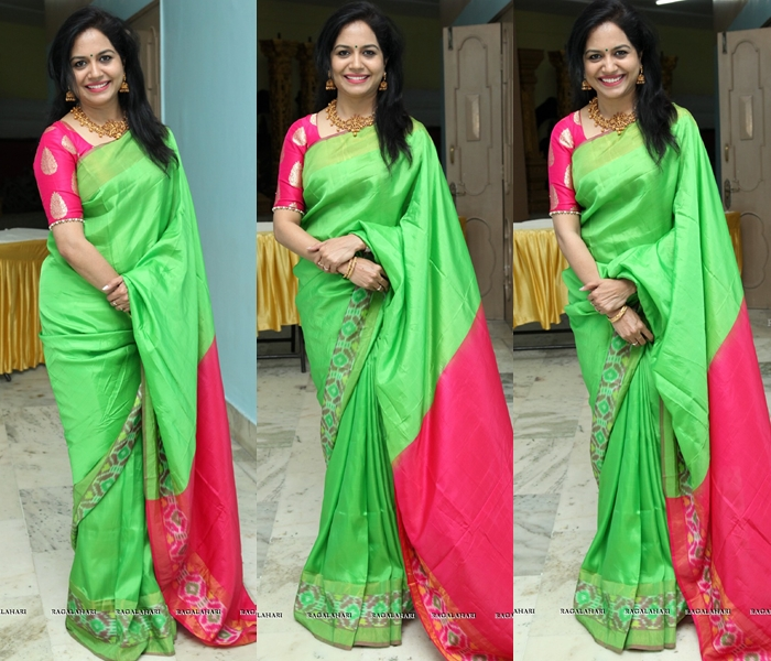 Green Saree With Pink Border