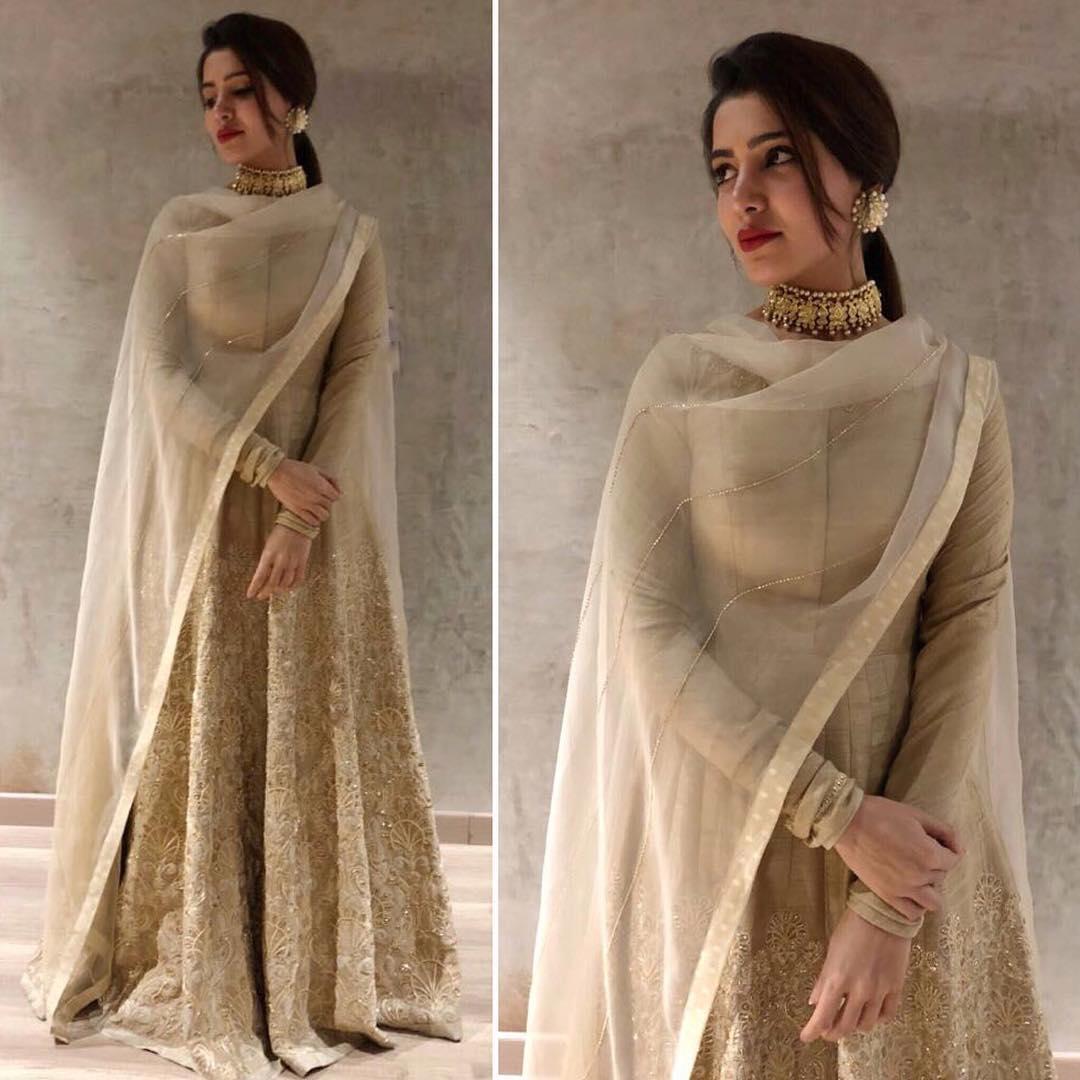 Full Sleeve Blouse Designs For Lehenga
