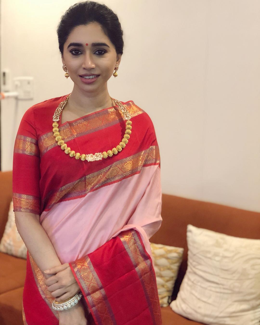 aarti ravi jayam ravi wife saree