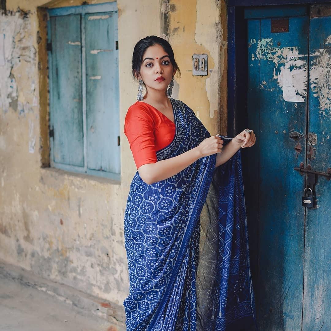 how-to-wear-indigo-saree (16)