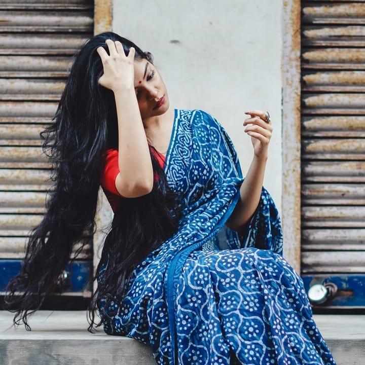how-to-wear-indigo-saree (2)