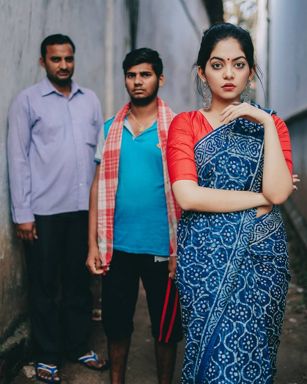 how-to-wear-indigo-saree (8)