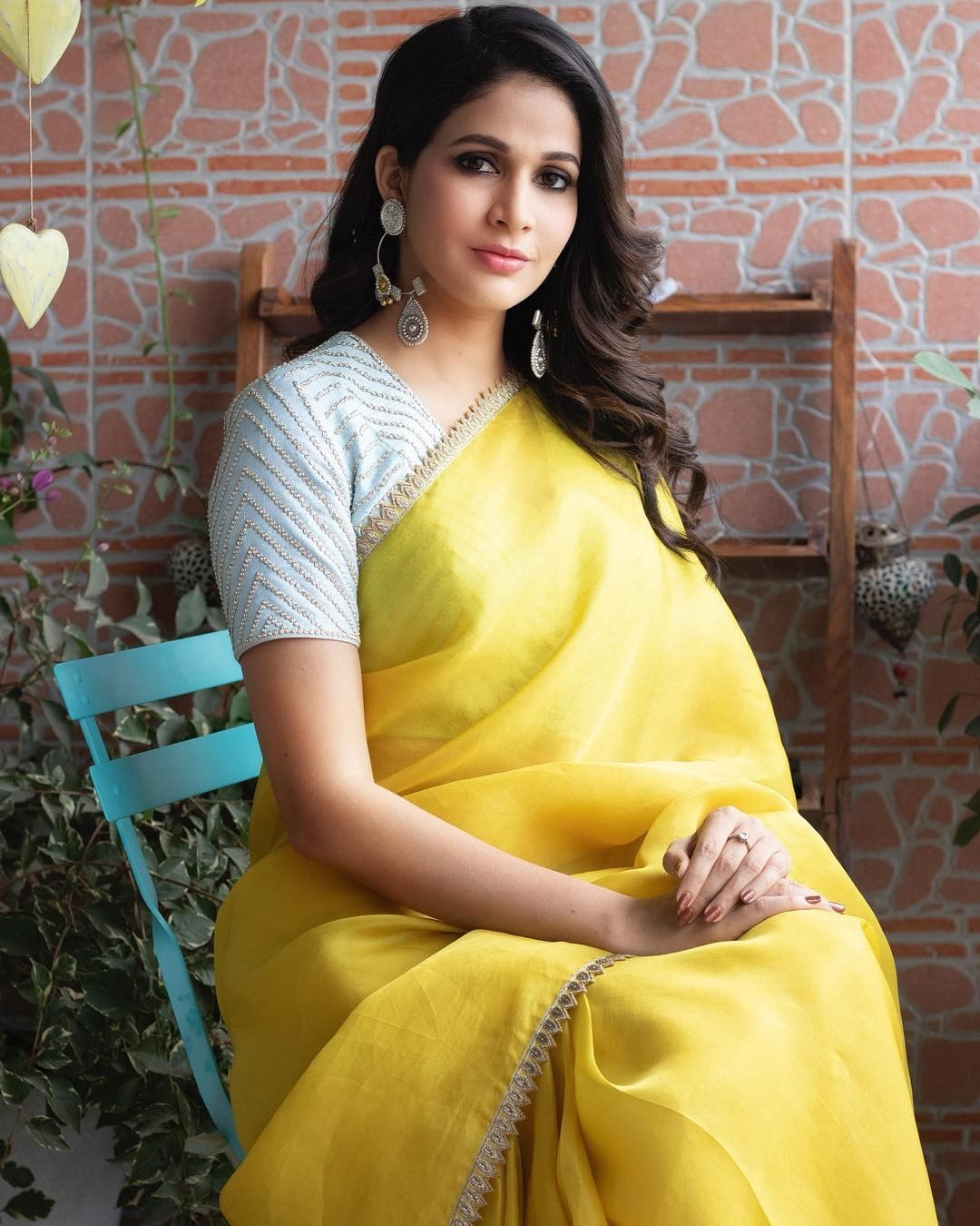 sarees-with-mismatched-blouses (12)