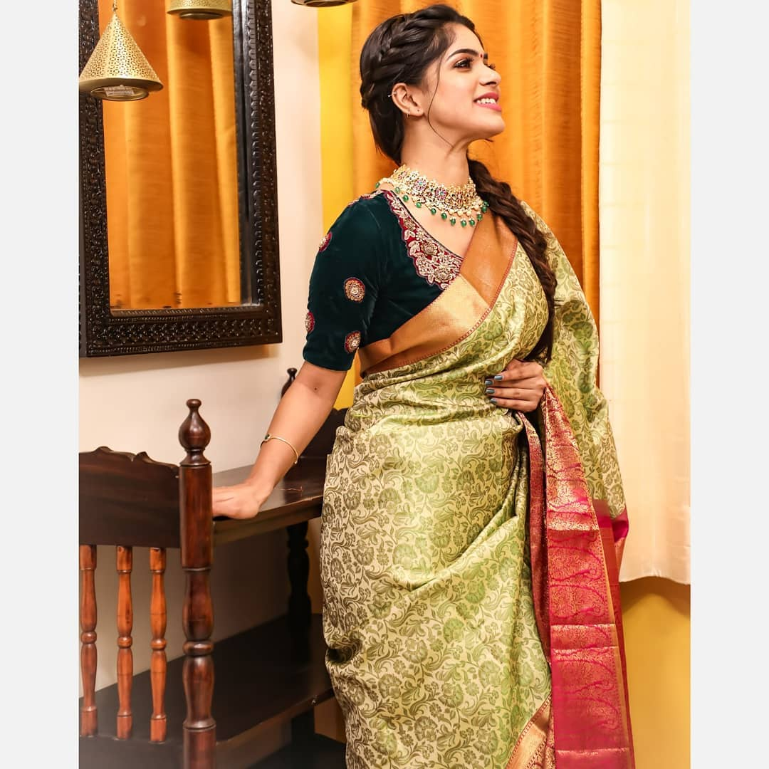 sarees-with-mismatched-blouses (5)