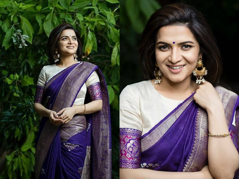 silk-sarees-with-high-neck-blouse-designs (5)