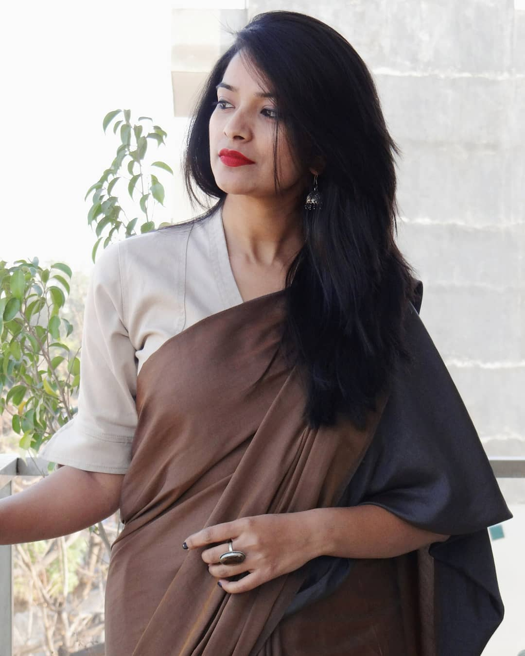 how-to-wear-sarees-to-office-2019 (13)