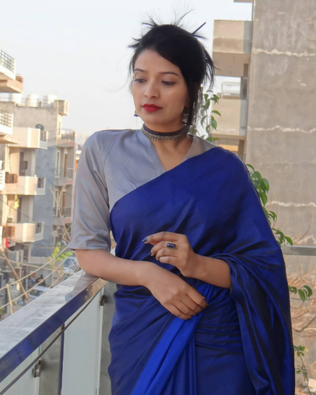 how-to-wear-sarees-to-office-2019 (15)