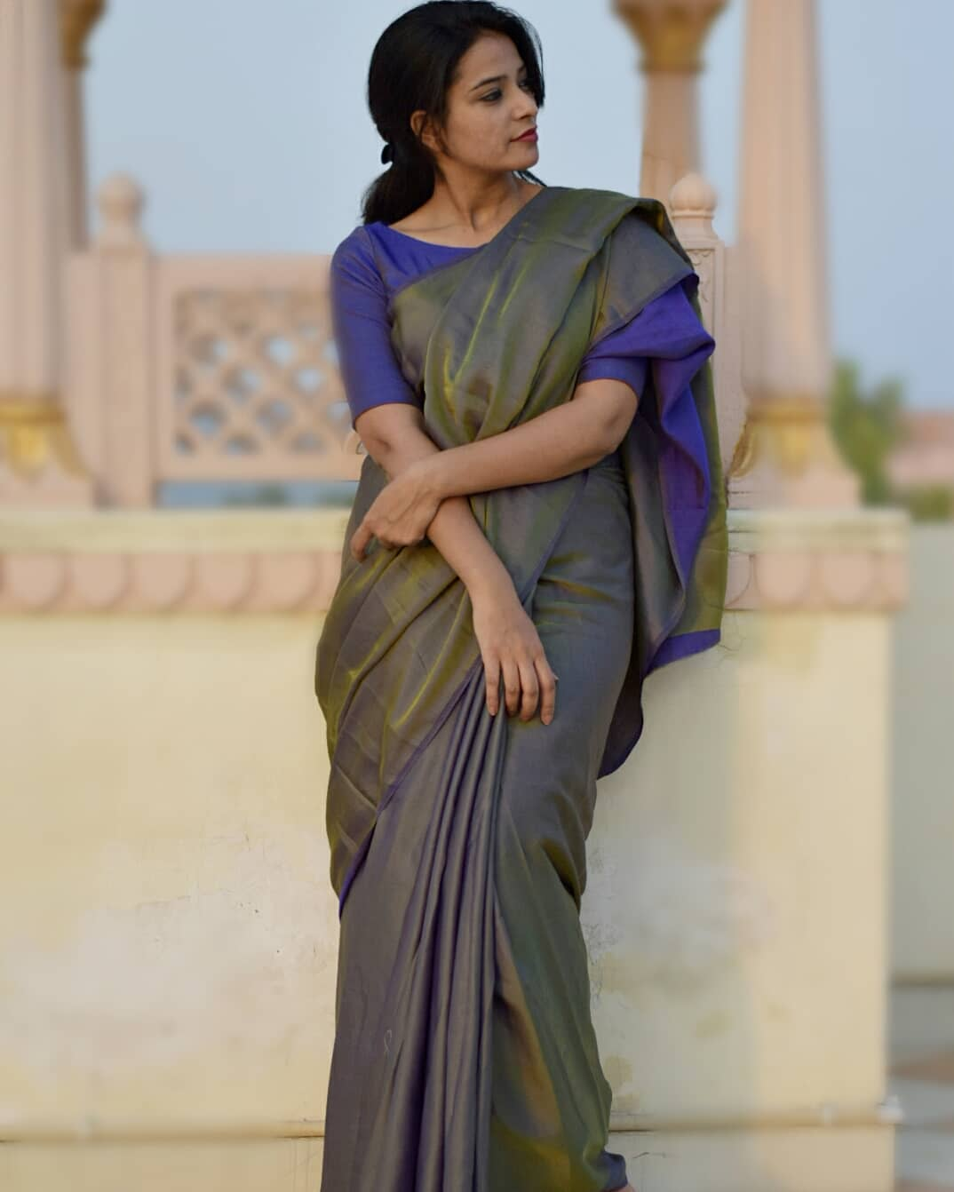 how-to-wear-sarees-to-office-2019 (7)