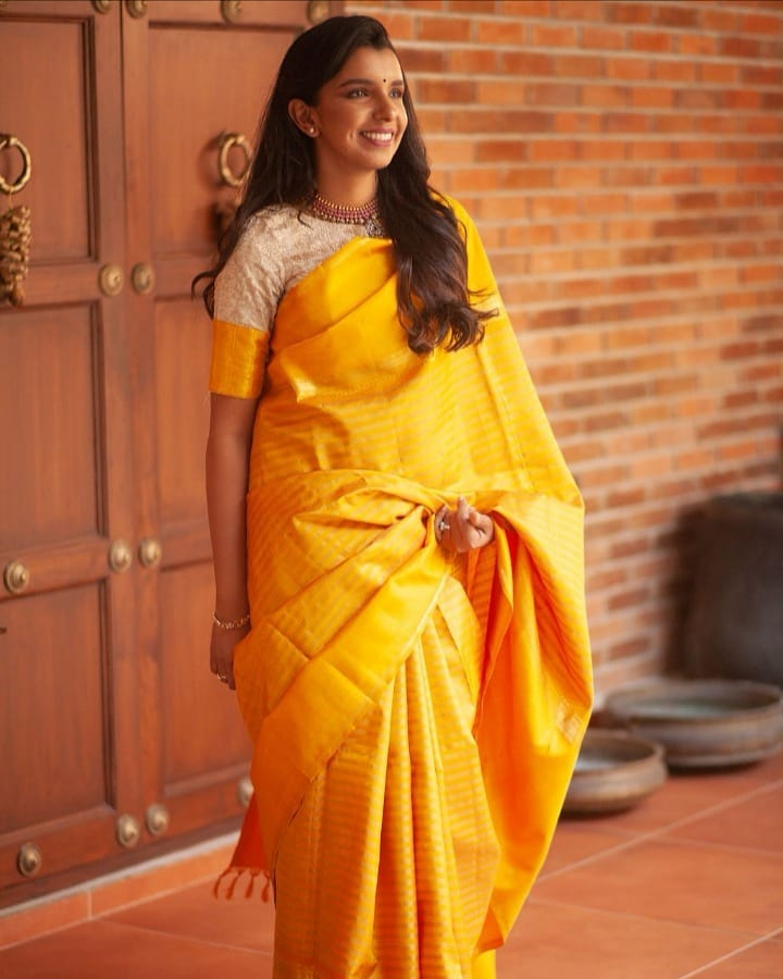 light-weight-silk-saree-collections-2019 (11)