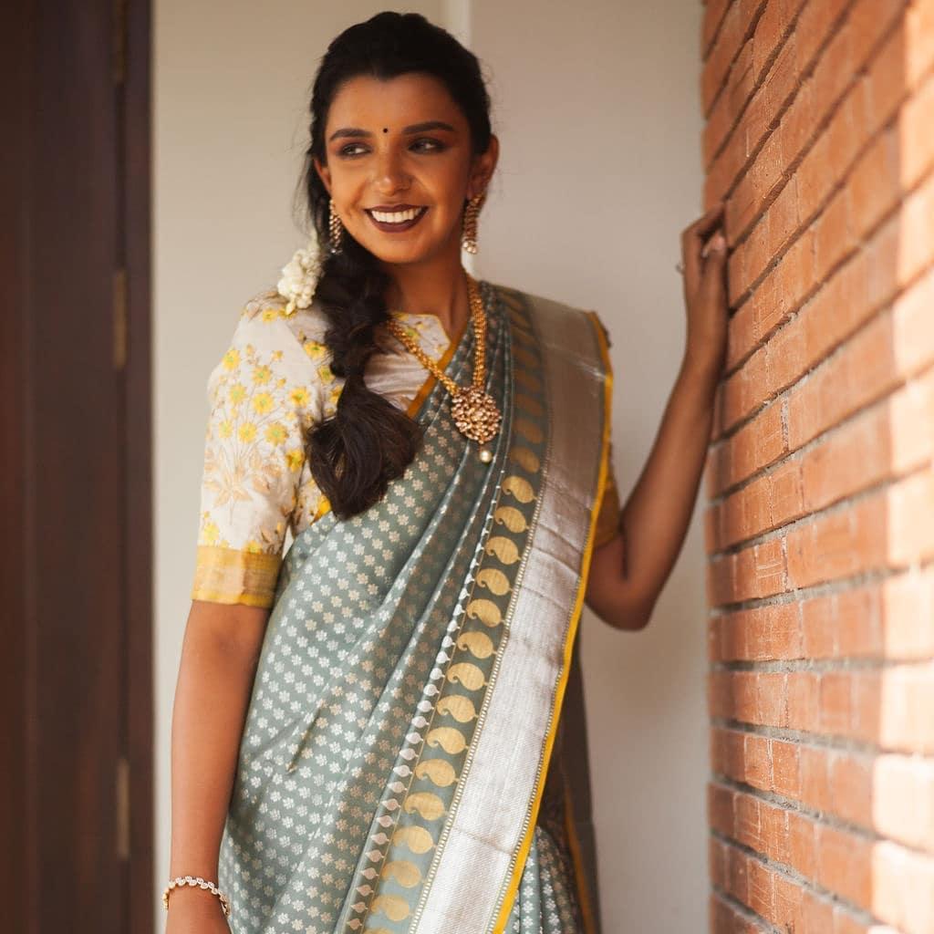 light-weight-silk-saree-collections-2019 (12)