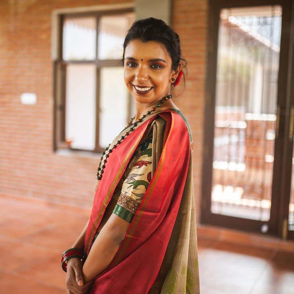 light-weight-silk-saree-collections-2019 (16)