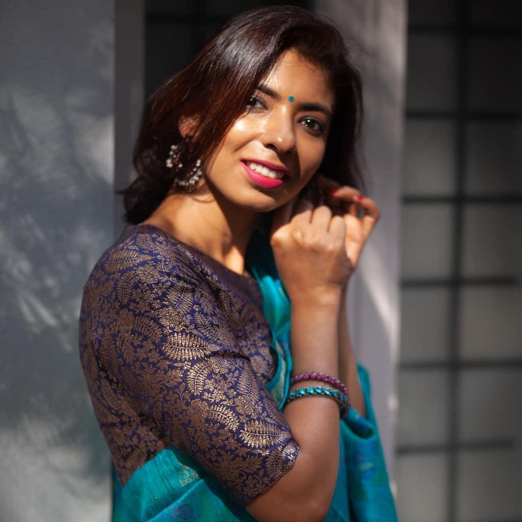 light-weight-silk-saree-collections-2019 (4)