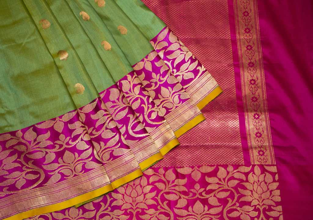 banarasi-saree-designs-2019 (2)