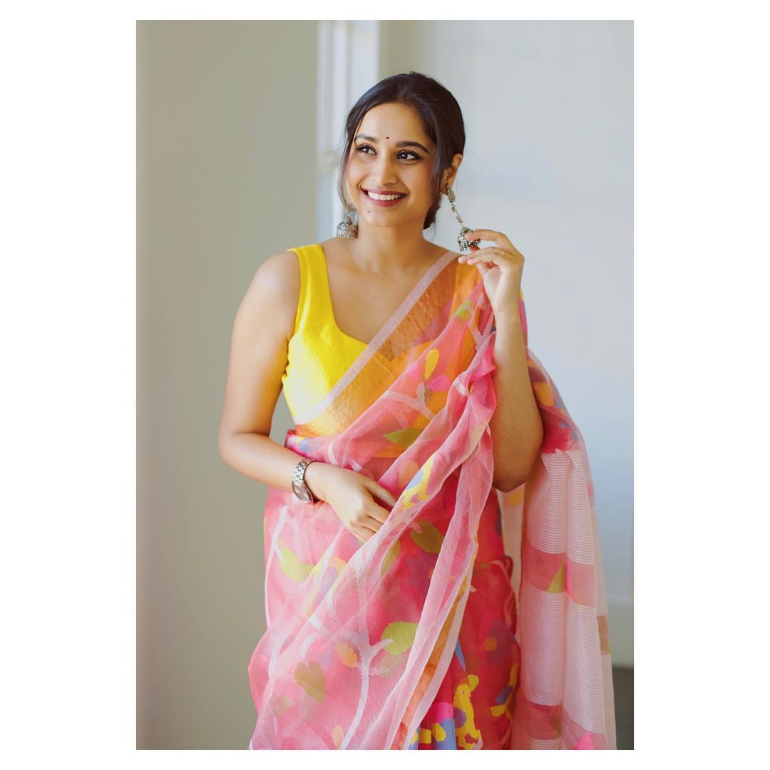 instagram-saree-influencer-swati-dixit (11)