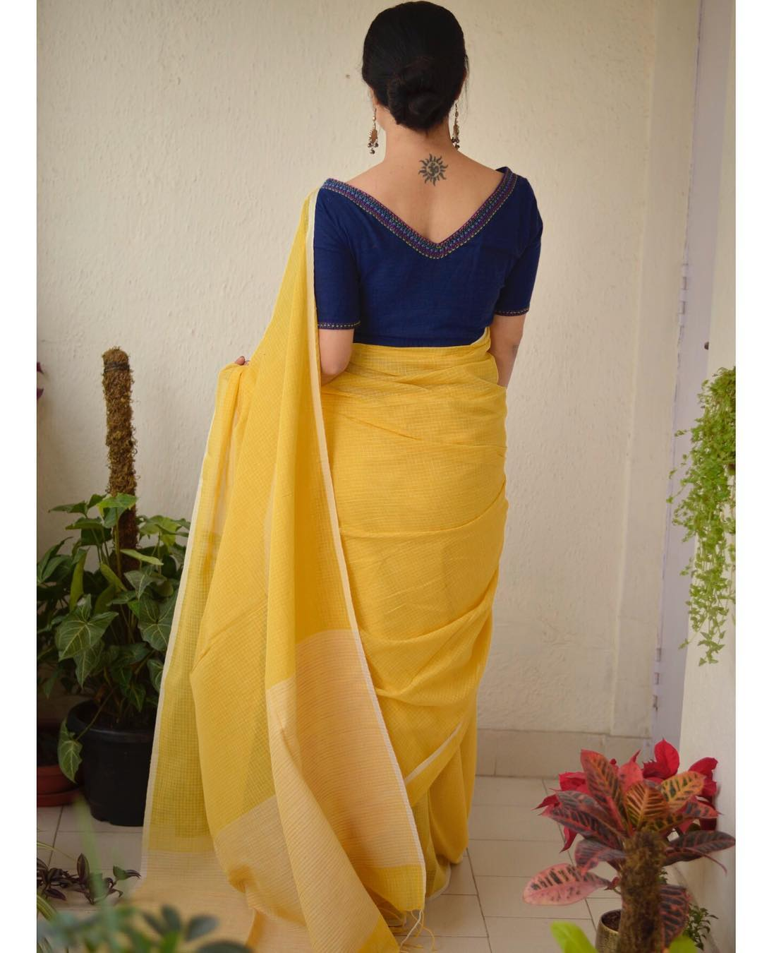plain-sarees-with-designer-blouses-2019 (2)