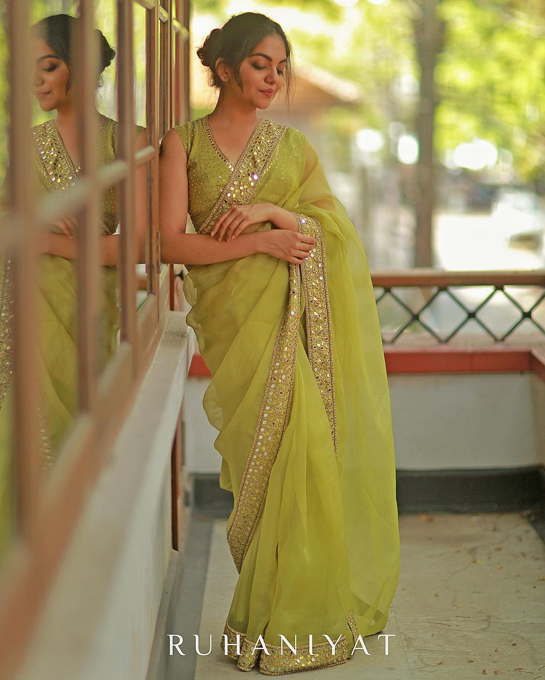 brands-to-shop-designer-sarees (8)