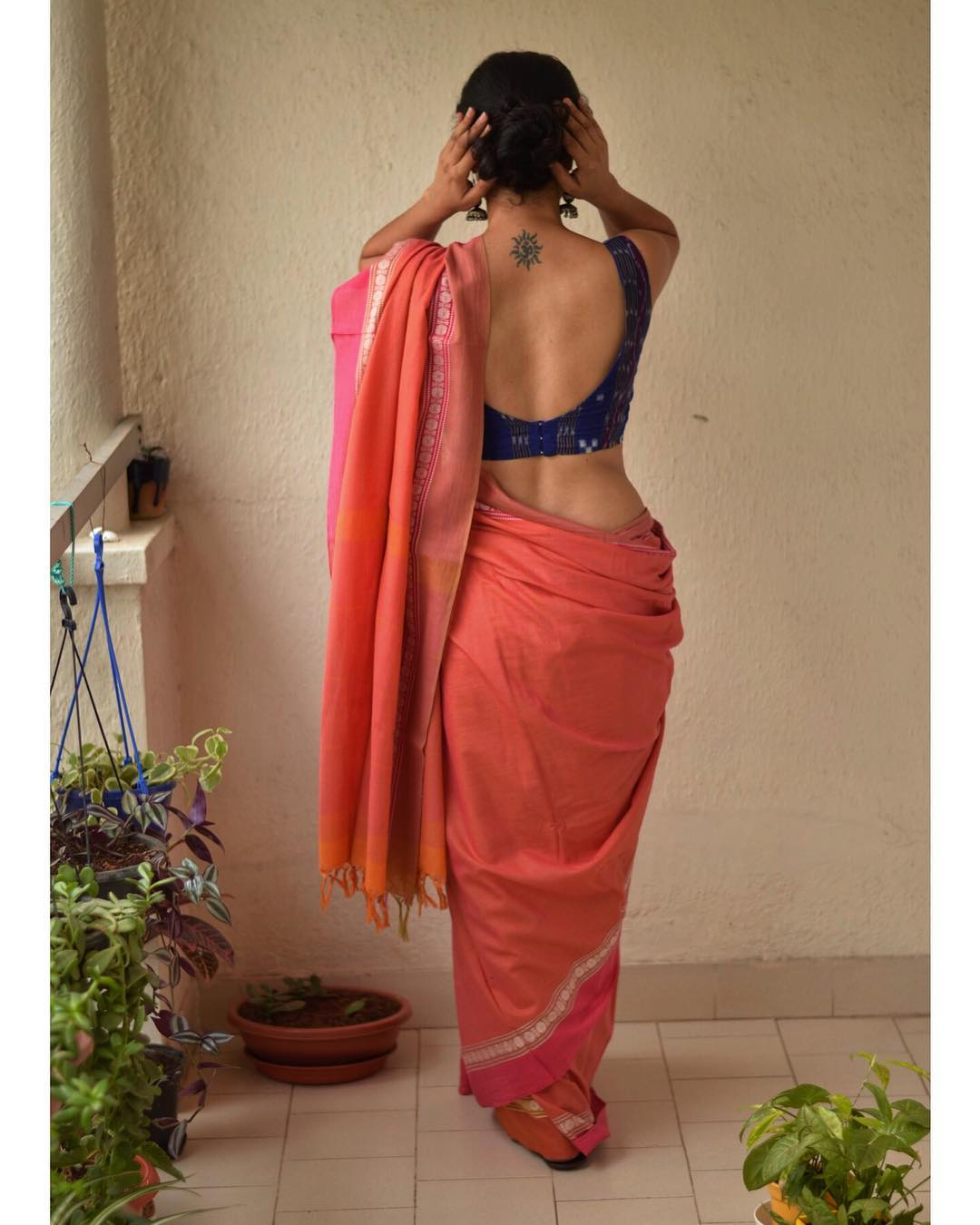 light-weight-party-wear-summer-sarees (6)