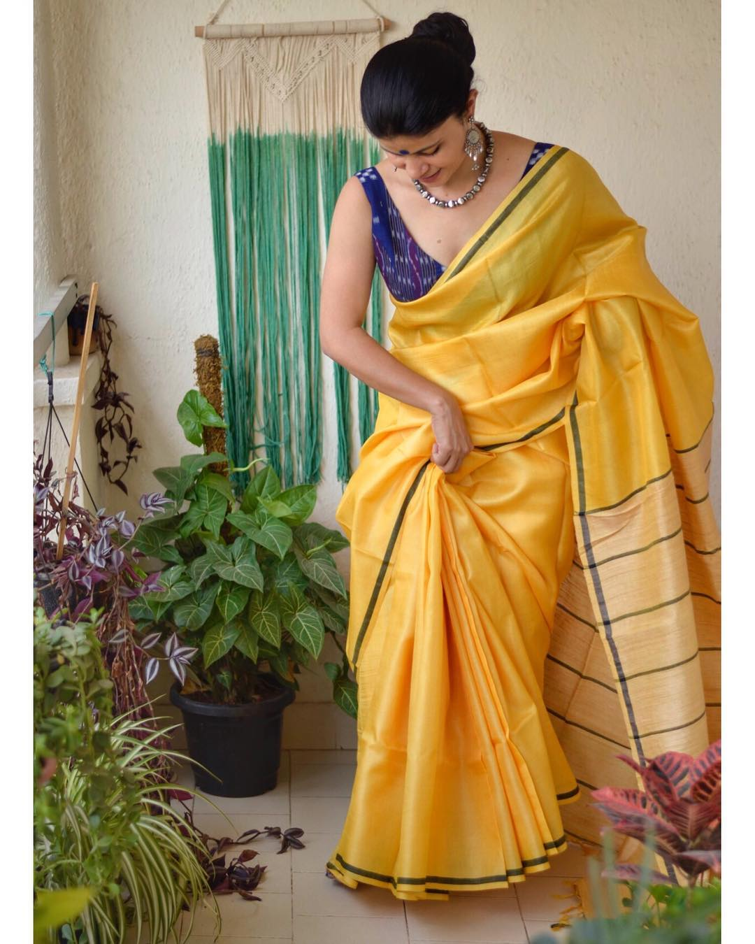light-weight-party-wear-summer-sarees (7)