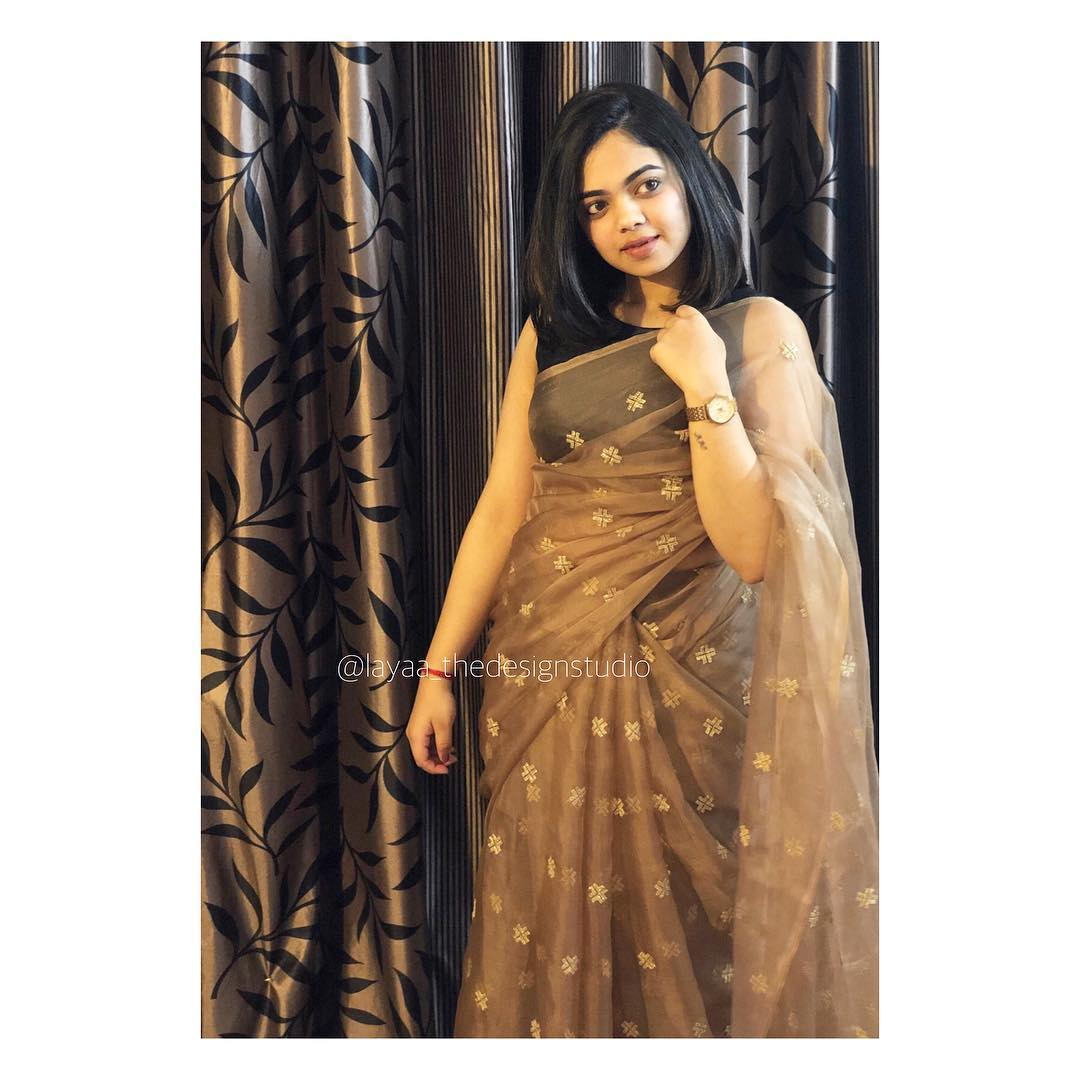 party-wear-sarees-styling-tips (7)