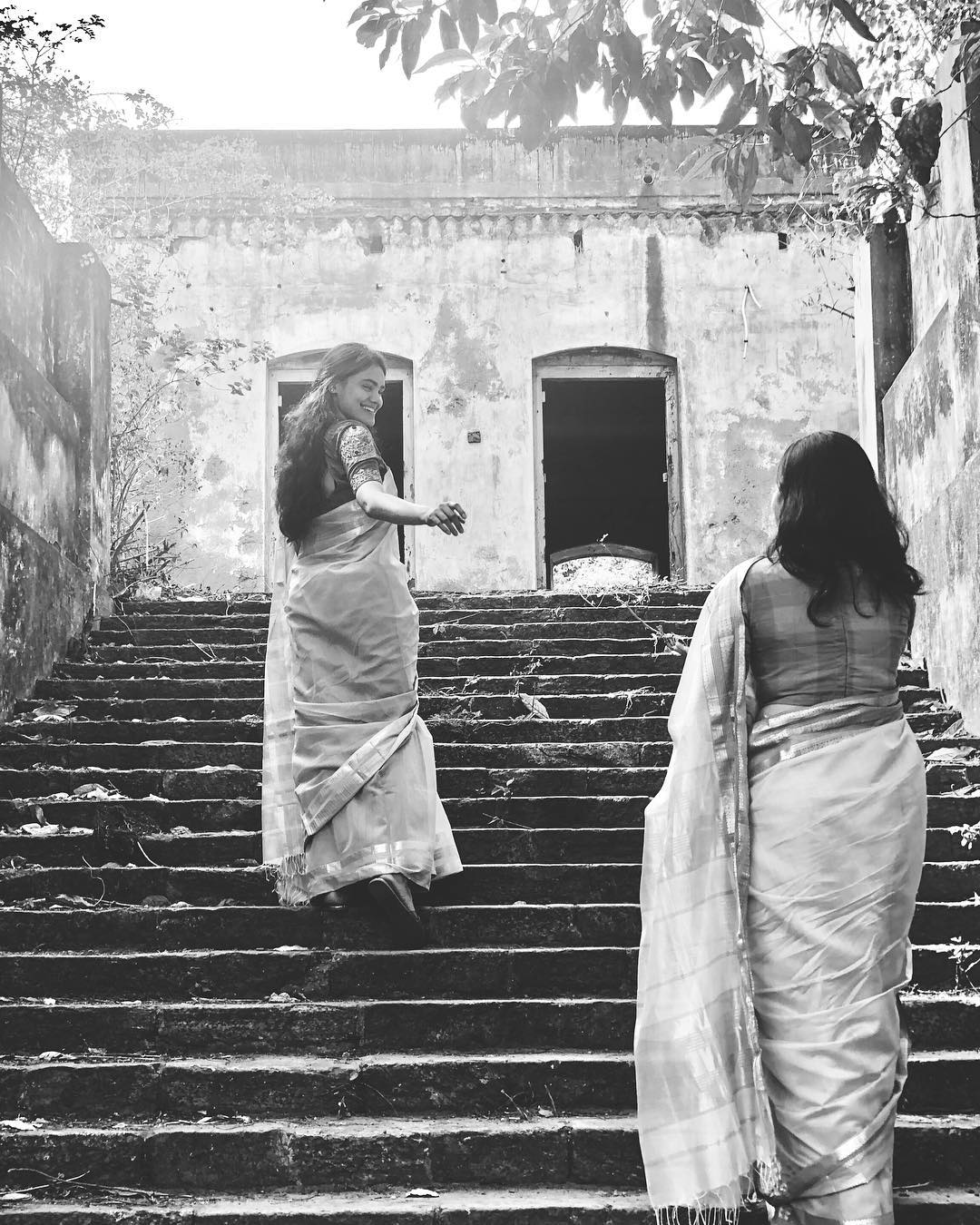 sarees-with-sisters (5)