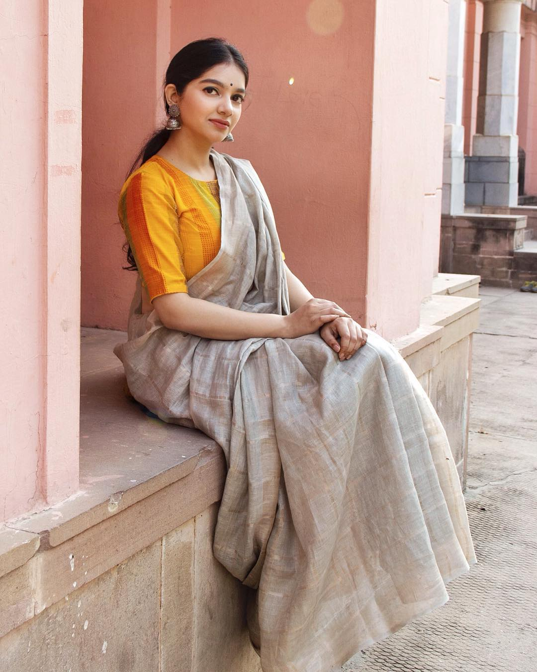 tips-to-style-your-cotton-sarees (4)
