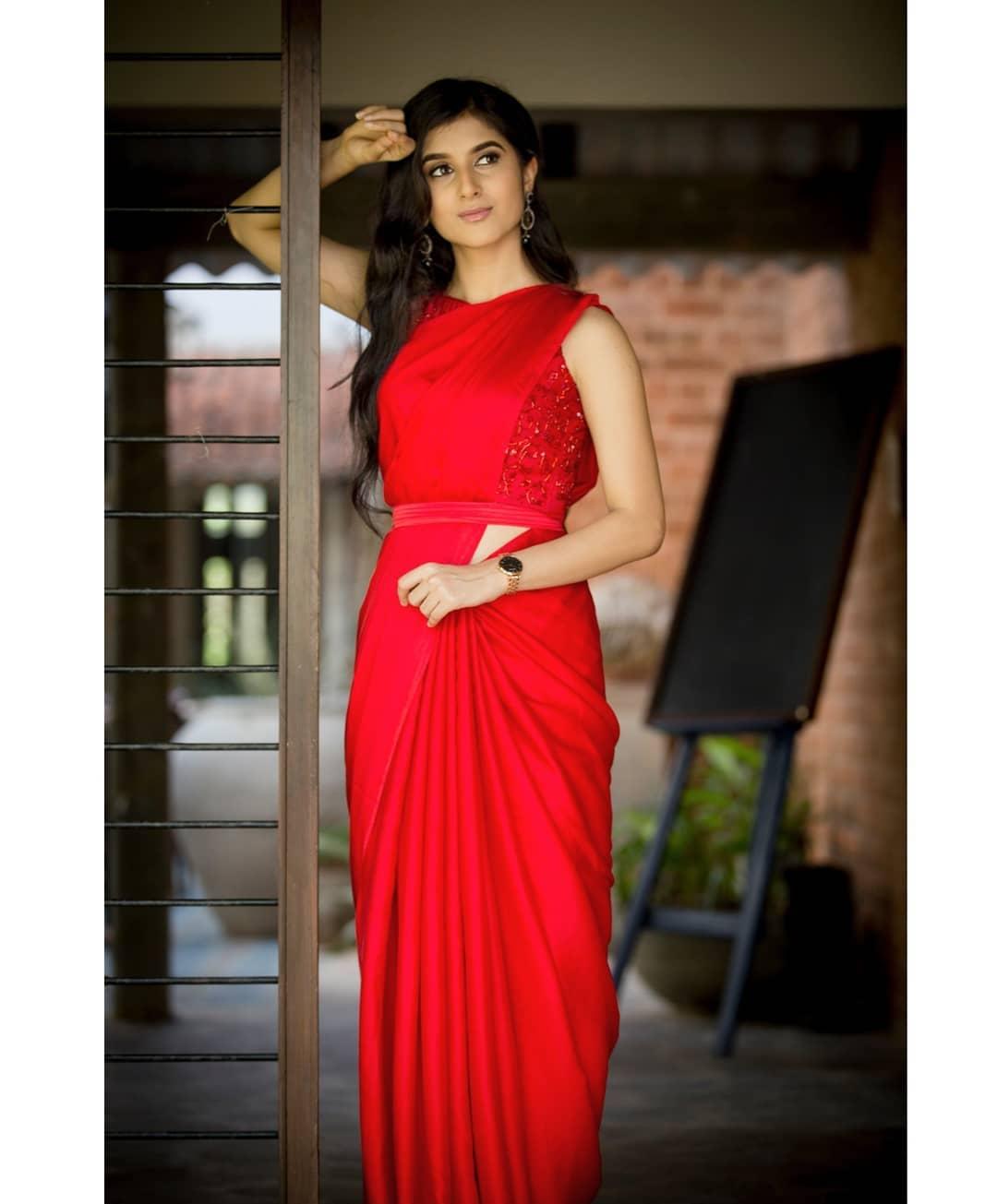 celebrity-outfits-sarees-shop-online (12)