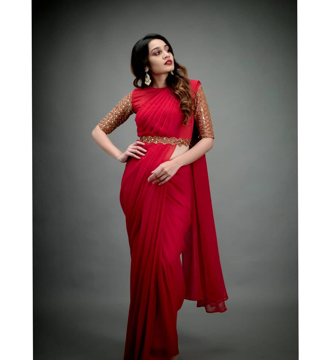 celebrity-outfits-sarees-shop-online (13)