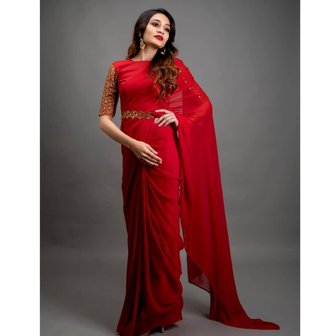 celebrity-outfits-sarees-shop-online (14)