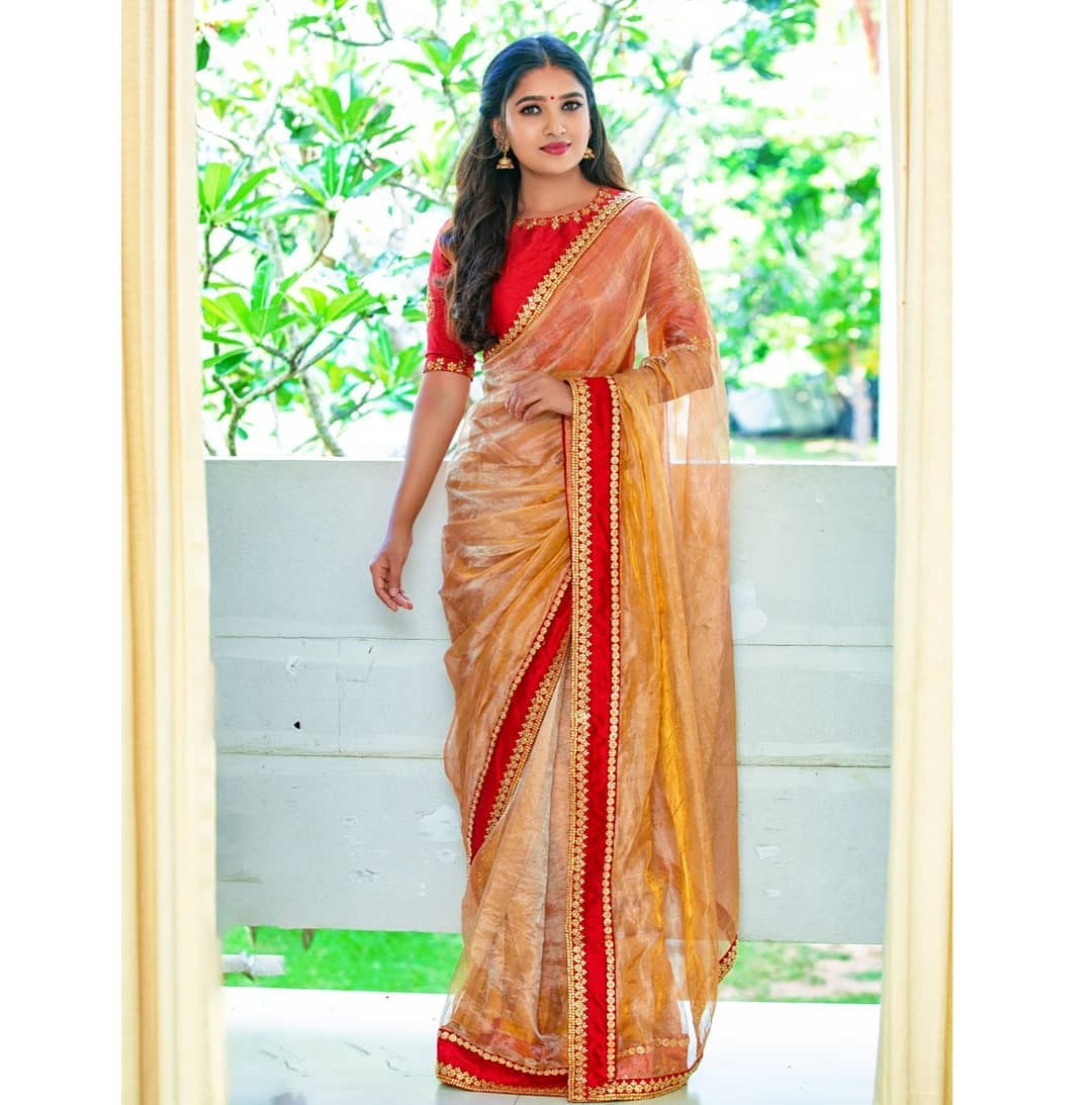 celebrity-outfits-sarees-shop-online (4)