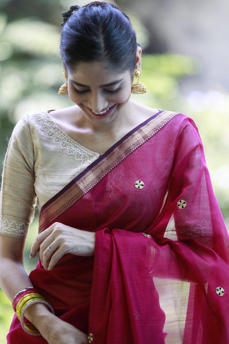 readymade-blouses-sarees-2019 (11)
