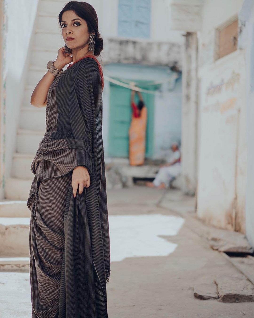 simple-saree-designs (8)