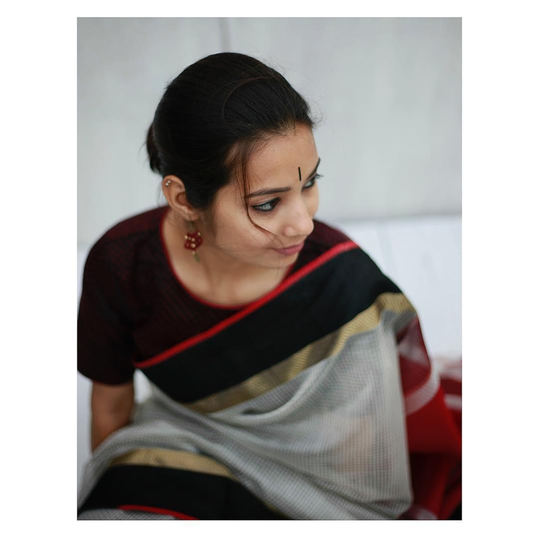simple-stylish-sarees-eco-loom (1)
