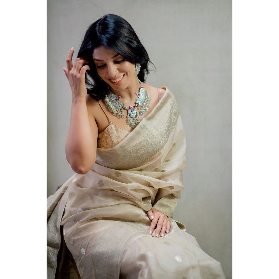 tips-to-wear-simple-sarees (11)