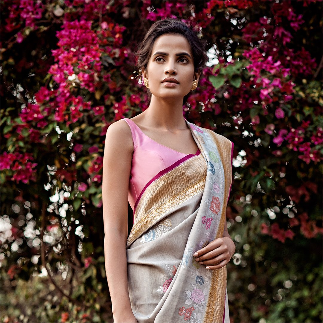 fancy-saree-and-blouse-designs (10)
