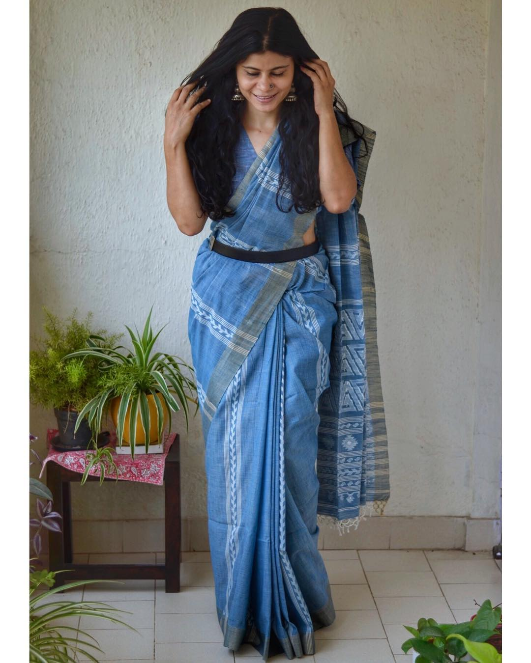 styling-sarees-with-saree-belt (1)