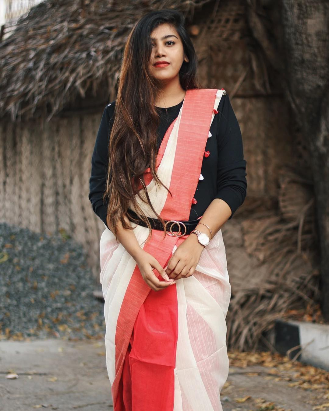 styling-sarees-with-saree-belt (8)
