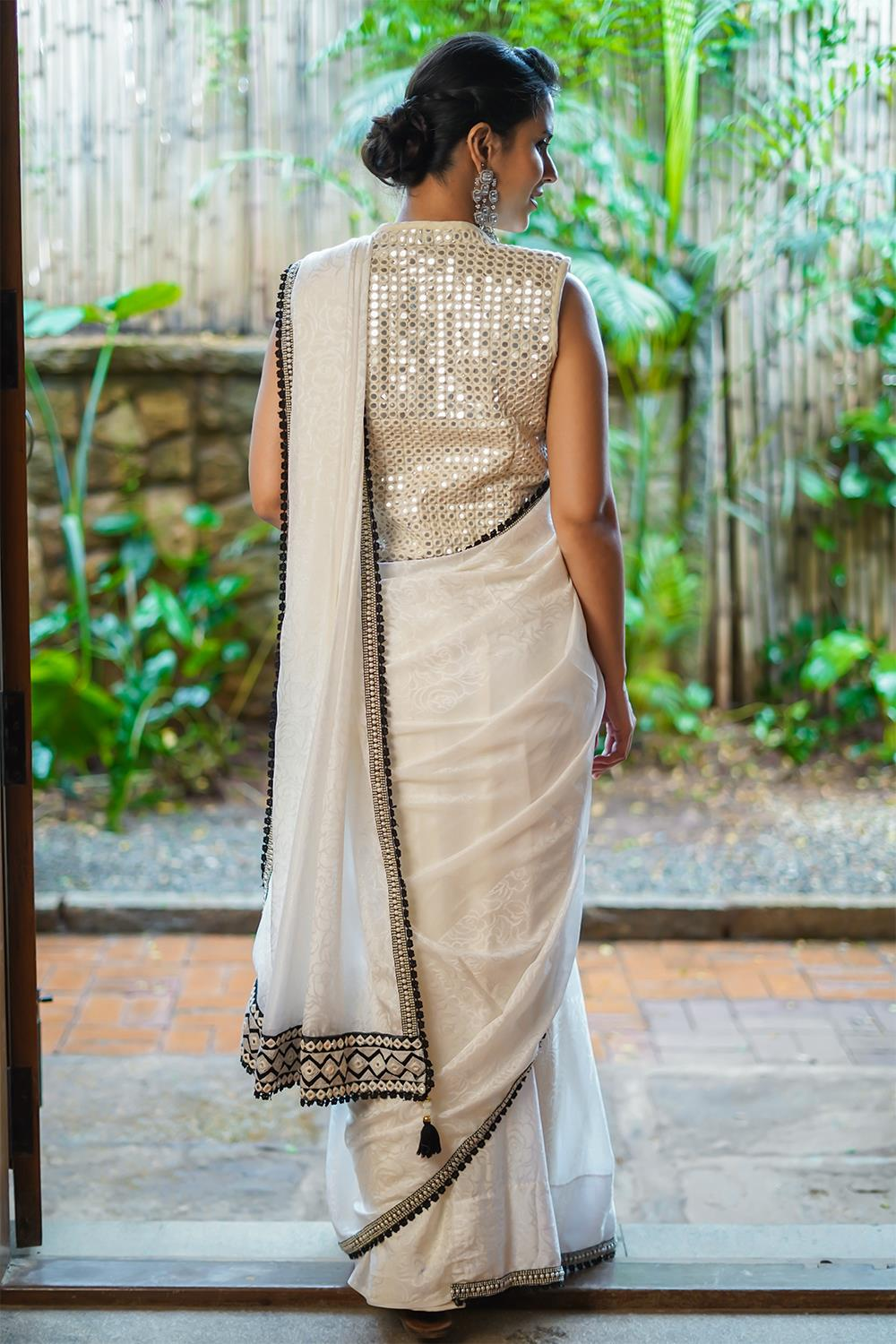 Party-Wear-Sarees-For-Festivals(16)