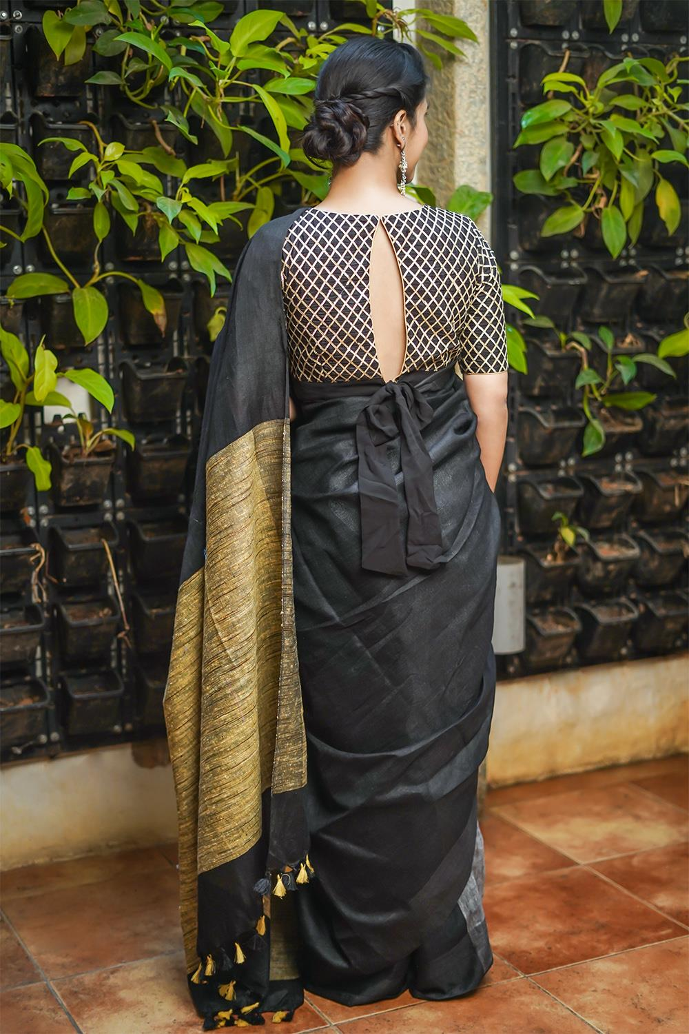 Party-Wear-Sarees-For-Festivals(18)
