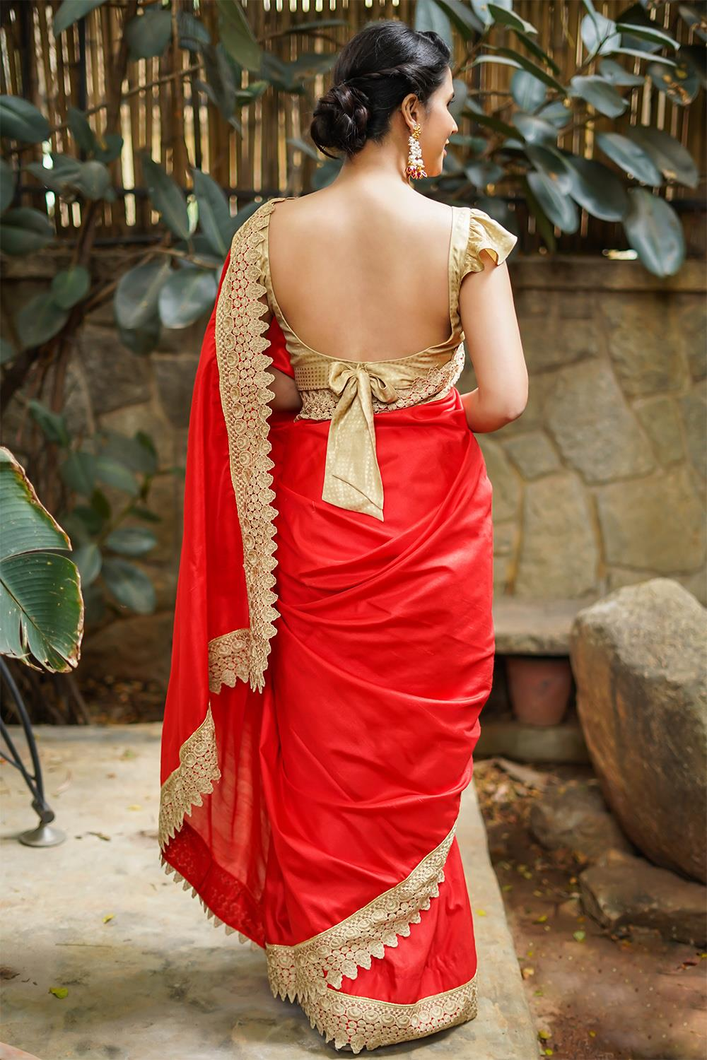 Party-Wear-Sarees-For-Festivals(8)
