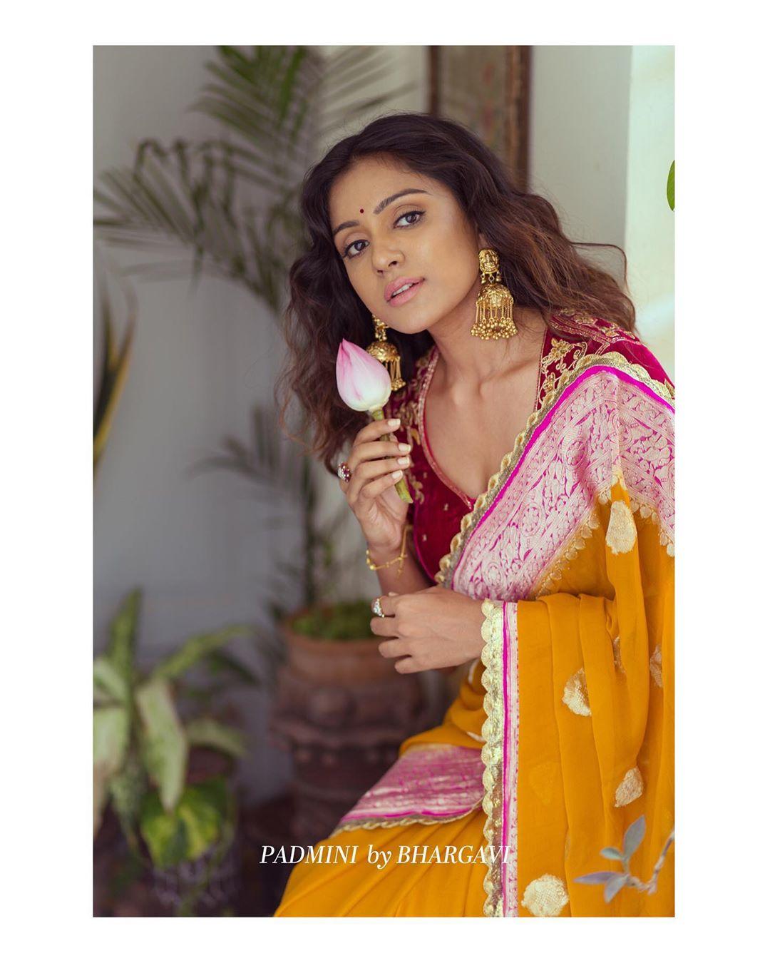soft-silk-designer-sarees(11)