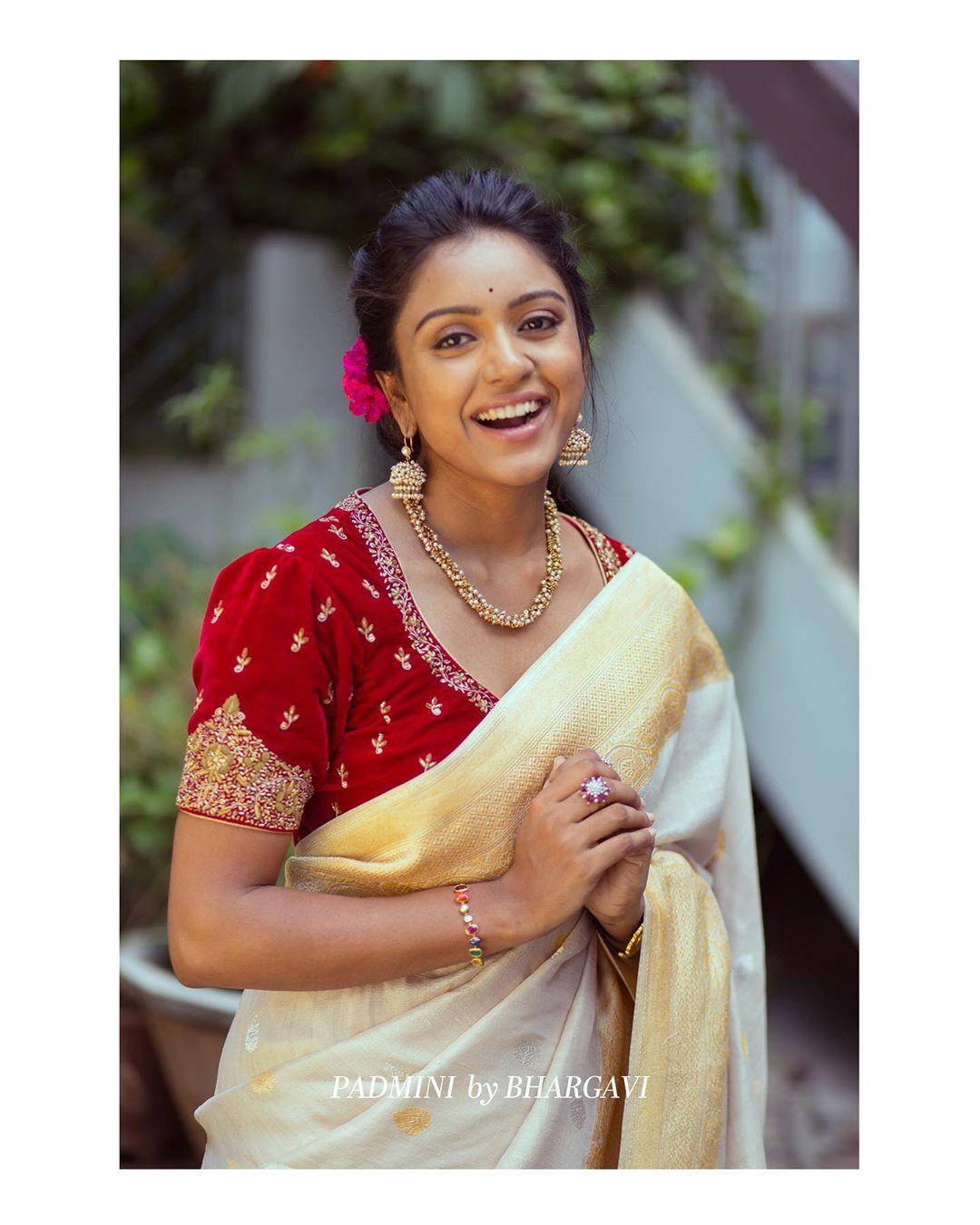 soft-silk-designer-sarees(12)
