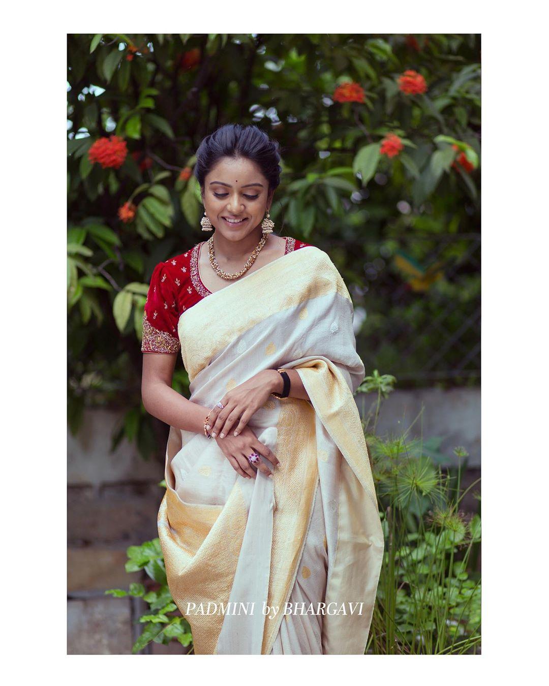 soft-silk-designer-sarees(9)
