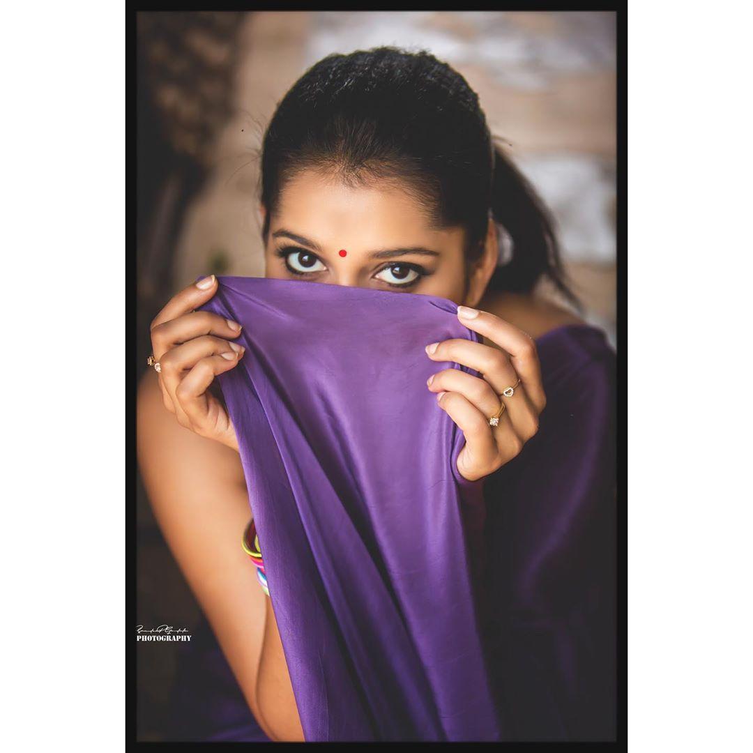 Celebrity-Saree(4)