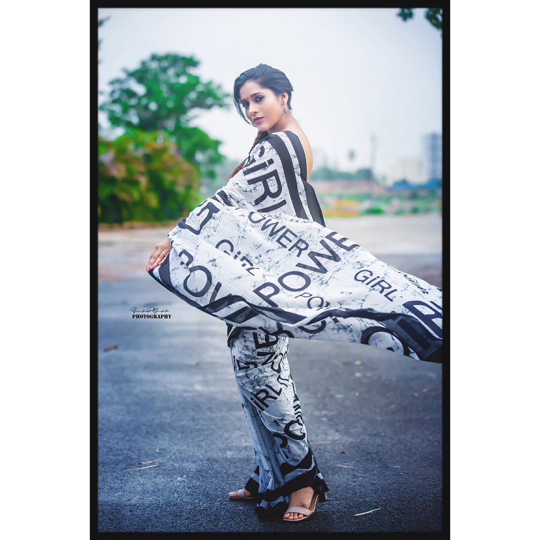 Celebrity-Saree(5)